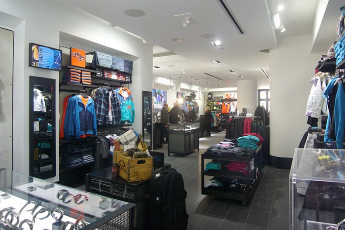 oakley store locations toronto